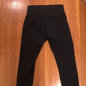 Lululemon High Times Black 7/8 Leggings Size 8